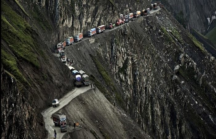 Road Trip in India, Go On A Date With Danger On These Extremely Risky Indian Roads