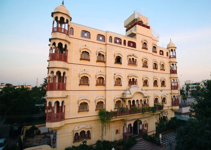 Some Best Family Hotels in Jaipur for a Long Stay