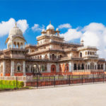 Where to stay when you are on a Jaipur Trip?