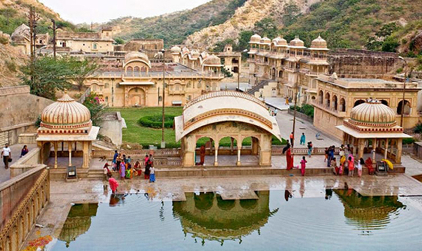 Traveling in Jaipur? Great Holiday Tour Packages